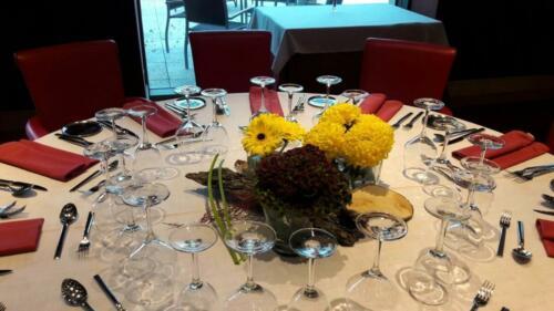 Centro mesa empresa flores amarillas