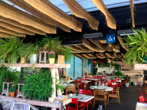 Decoracion restaurante flores