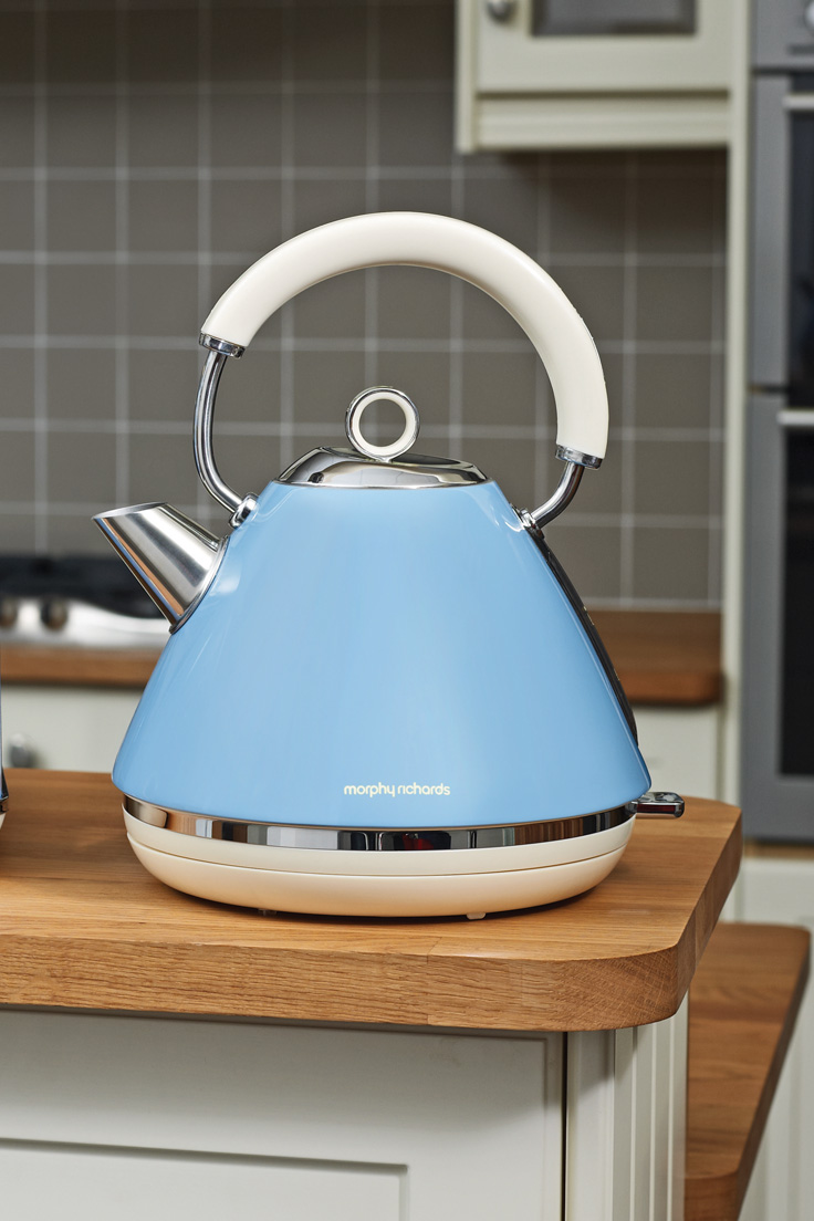 Kettles from Philip Morris and Son
