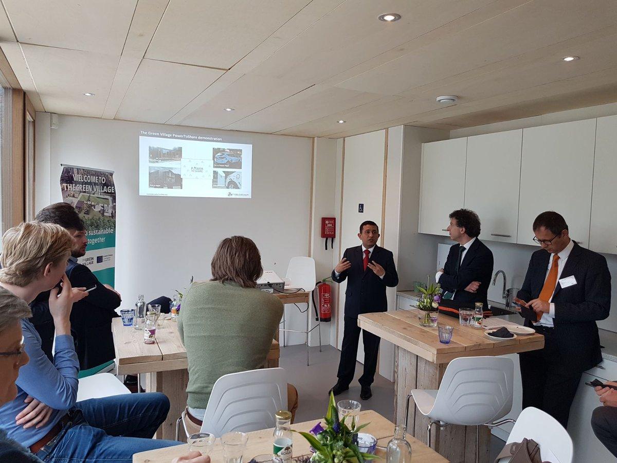 Presentation PowerToShare energy blockchain infrastructure for EU and TU Delft