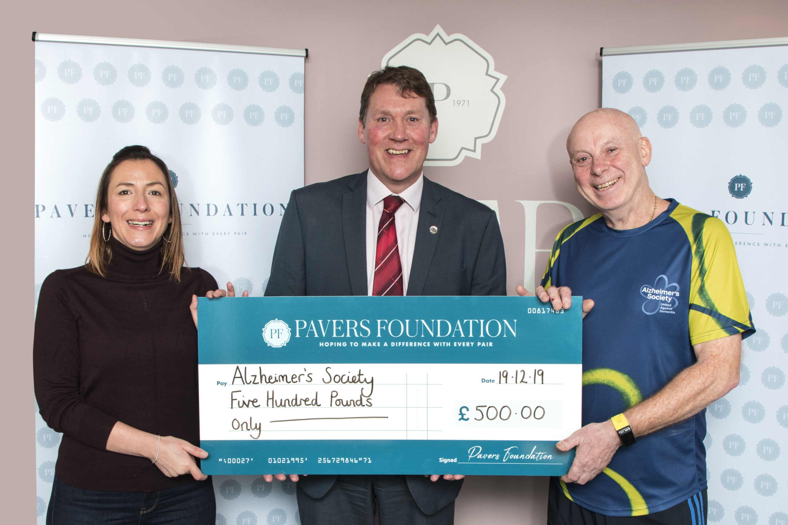 The Pavers Foundation donates £500 to Alzheimer's Society
