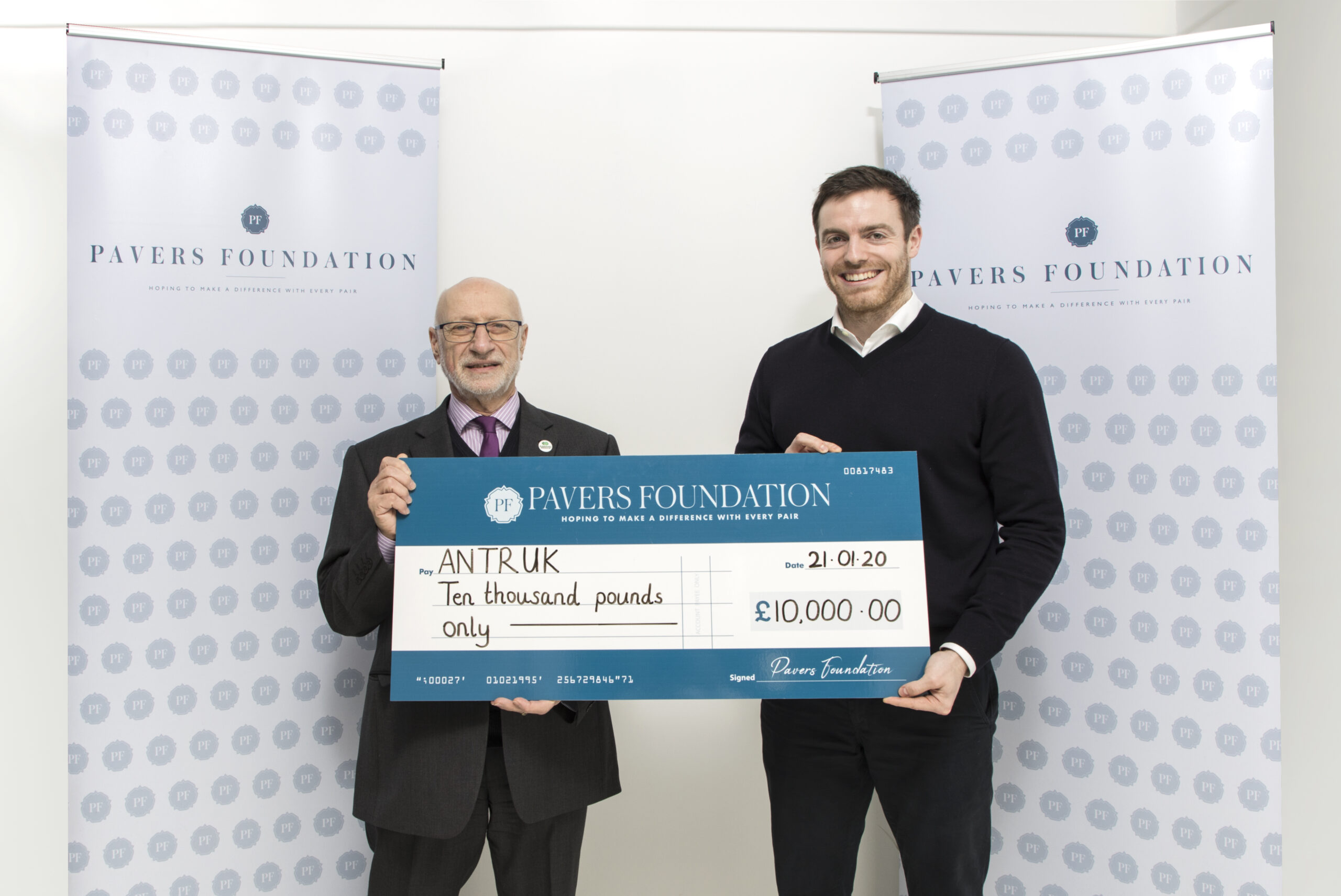Antibiotic Research UK receives £10,000 from the Pavers Foundation!