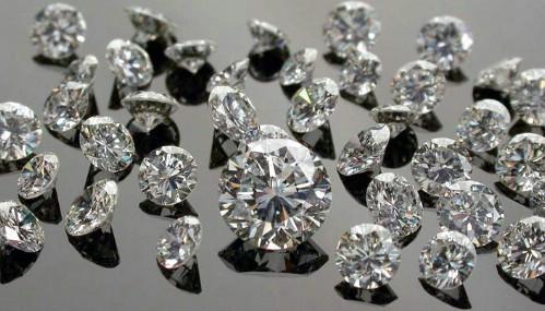 Gujarat: No effect of COVID-19 on Surat's precious stone industry