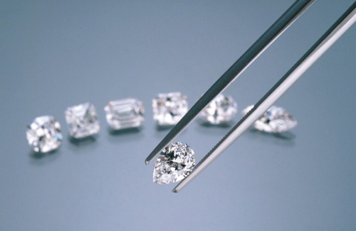 GIA Prevents Fraudsters Attempting To Pass Off LGDs As Natural Diamonds