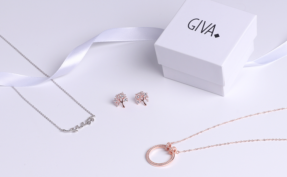 Why this designer chose to launch D2C silver jewellery startup GIVA