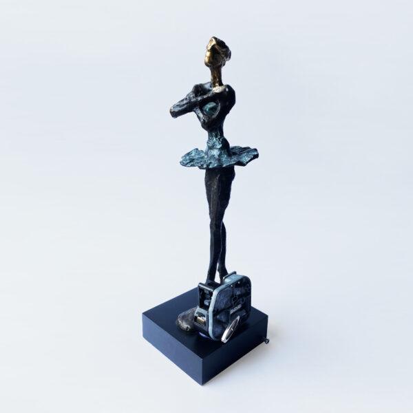 The Still Dancer - Readymade, Alix de Bretagne