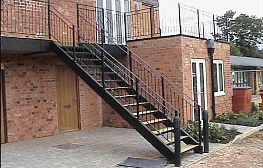 Metal staircase railings