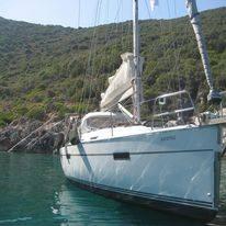 Nikos yacht