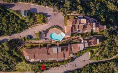 Baja Sardinia | Quadrivani con piscina condominiale