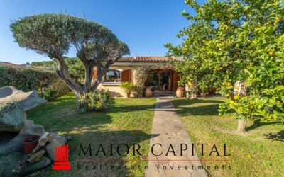 Loiri Porto San Paolo | Villa vista mare con giardino