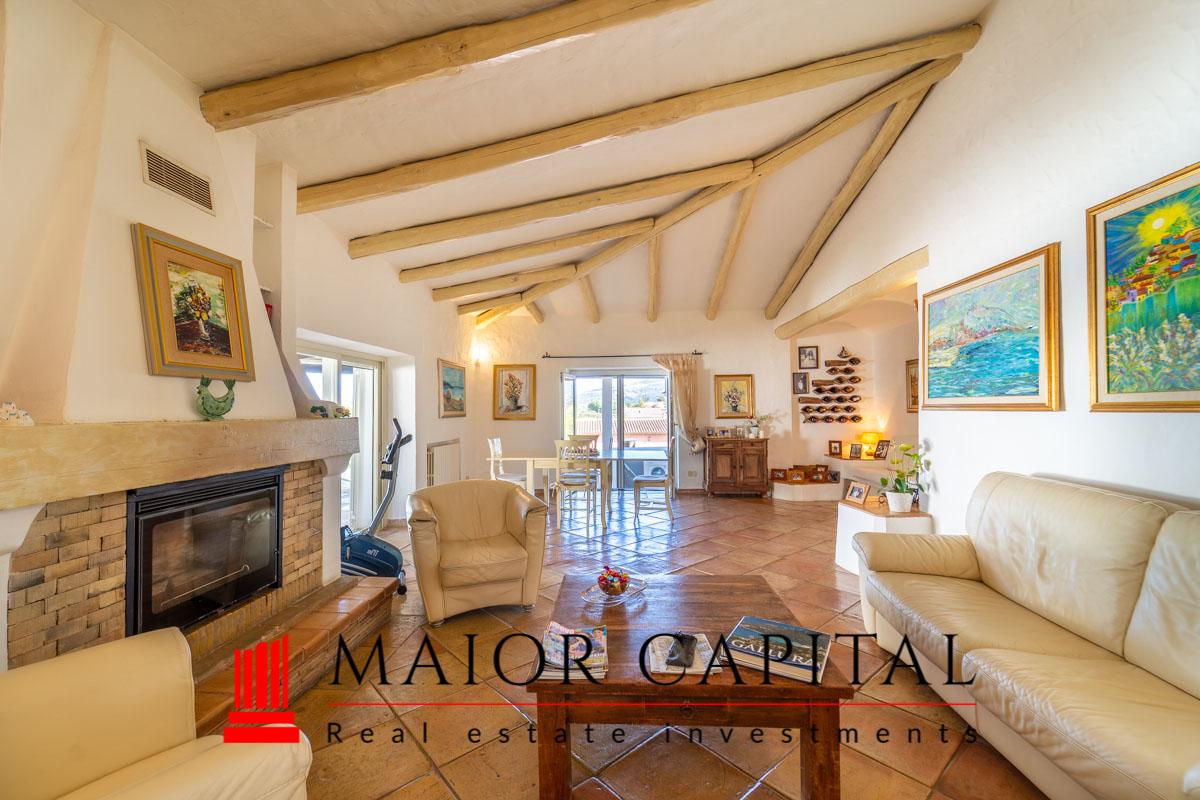 Arzachena | Monticanaglia | Villa con giardino