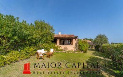 Budoni   Baia Sant'Anna   Villa bifamiliare con giardino