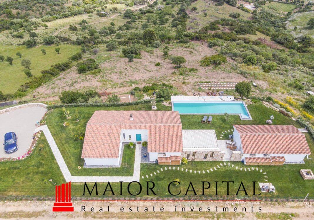 Budoni   Villa with infinity pool and panoramic views