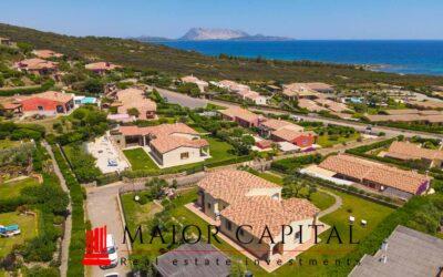 Costa Caddu | Villa bifamiliare con vista mare