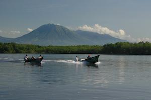 El Salvador jiquilisco dos barcas