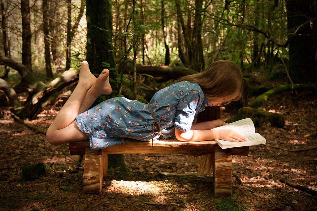 lola on bench readinghome