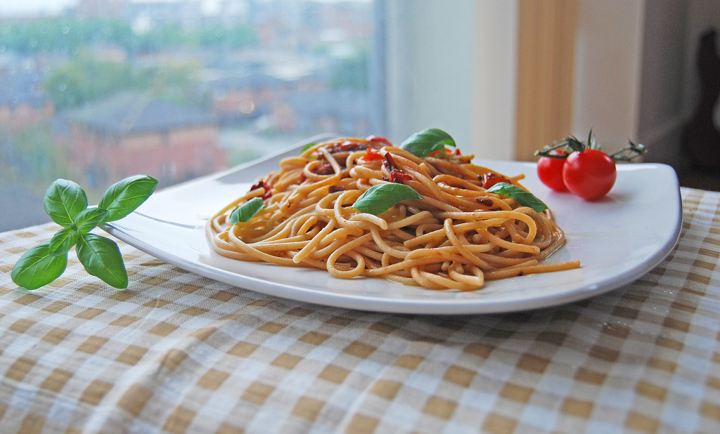 Spaghetti with Anchovy & Chilli