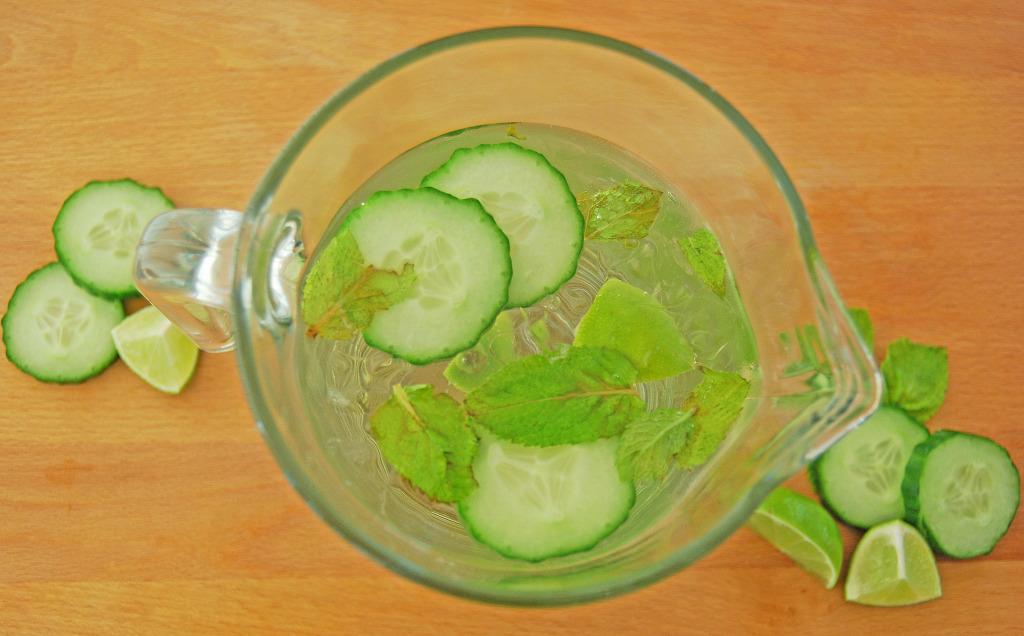cucumber water (birds eye)
