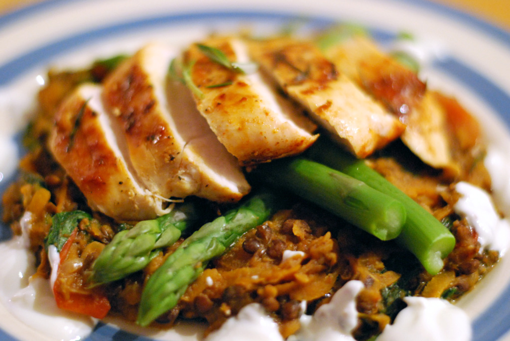 rosemary chicken with puy lentils (close up)