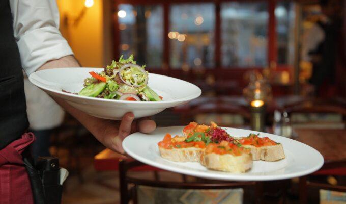 Choosing a Restaurant for a Business Meeting: 4 Fail-proof Tips