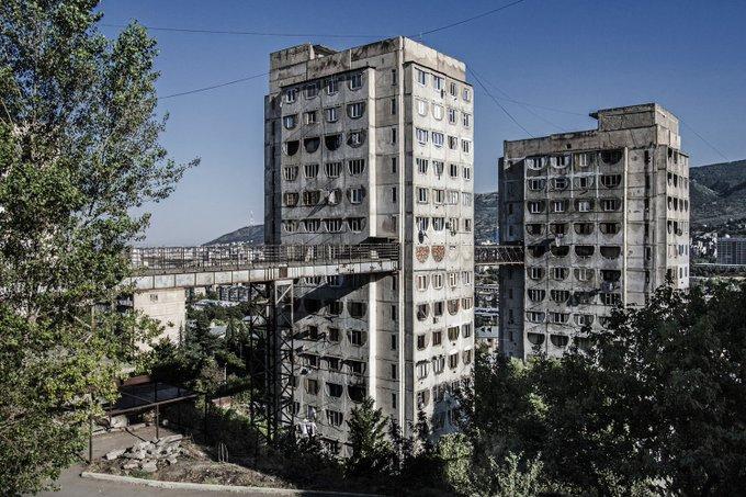 13. Brütalist Sovyet konut kompleksi, Tiflis.