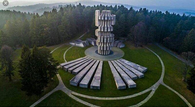 5. Bu yaratıcı mimari tasarım Kozara Savaşı'na onurlandırmak için yapıldı.