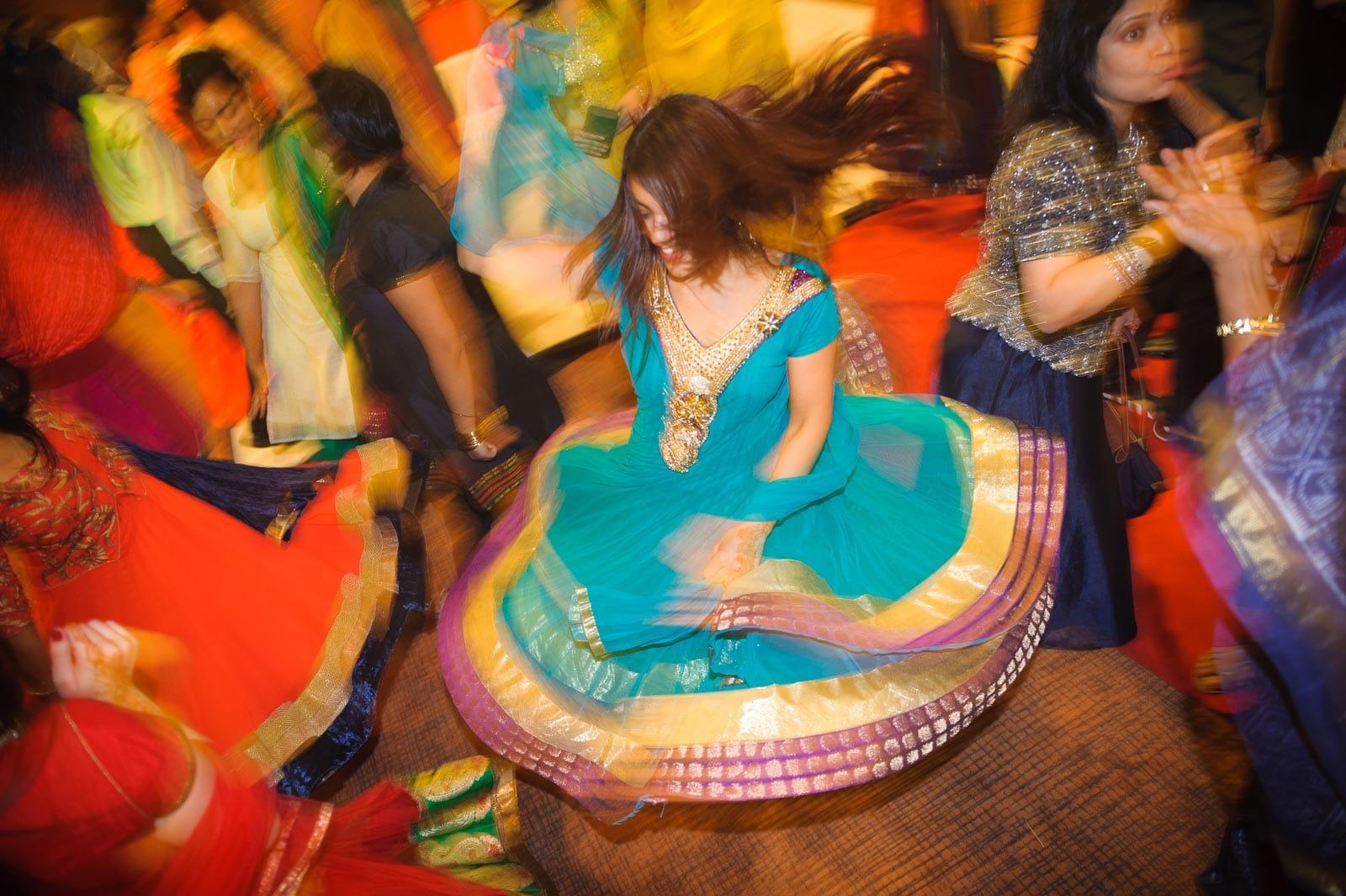 indian-bride-dancing-sangeet-thailand-wedding