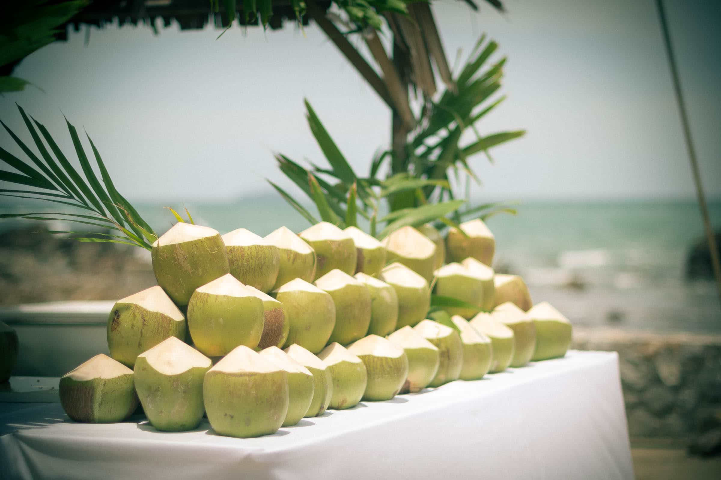 thailand-wedding-photographer-marriott-spa-resort-rayong-indian-wedding-photography-bangkok-pool-party-004
