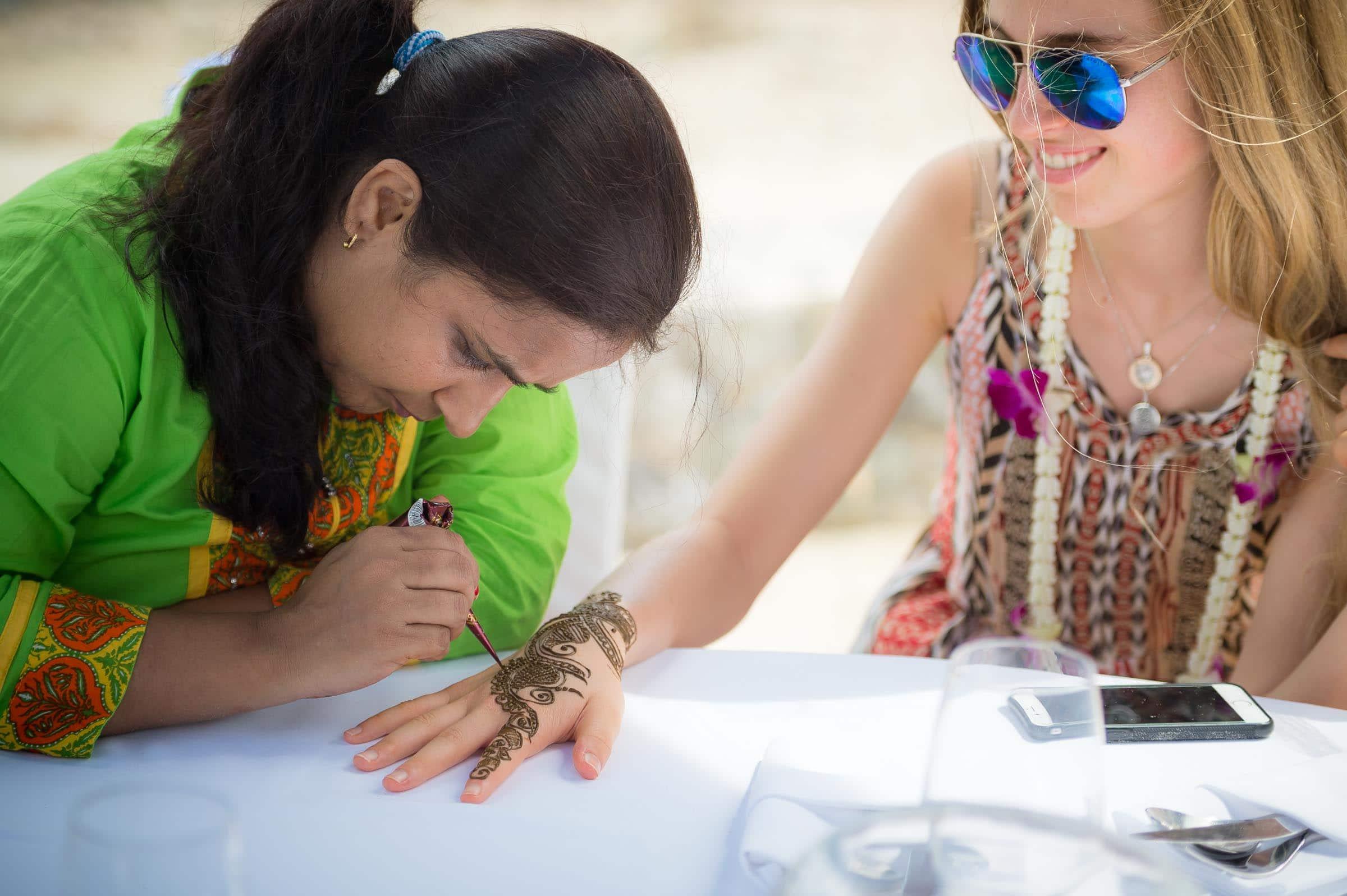 thailand-wedding-photographer-marriott-spa-resort-rayong-indian-wedding-photography-bangkok-pool-party-018