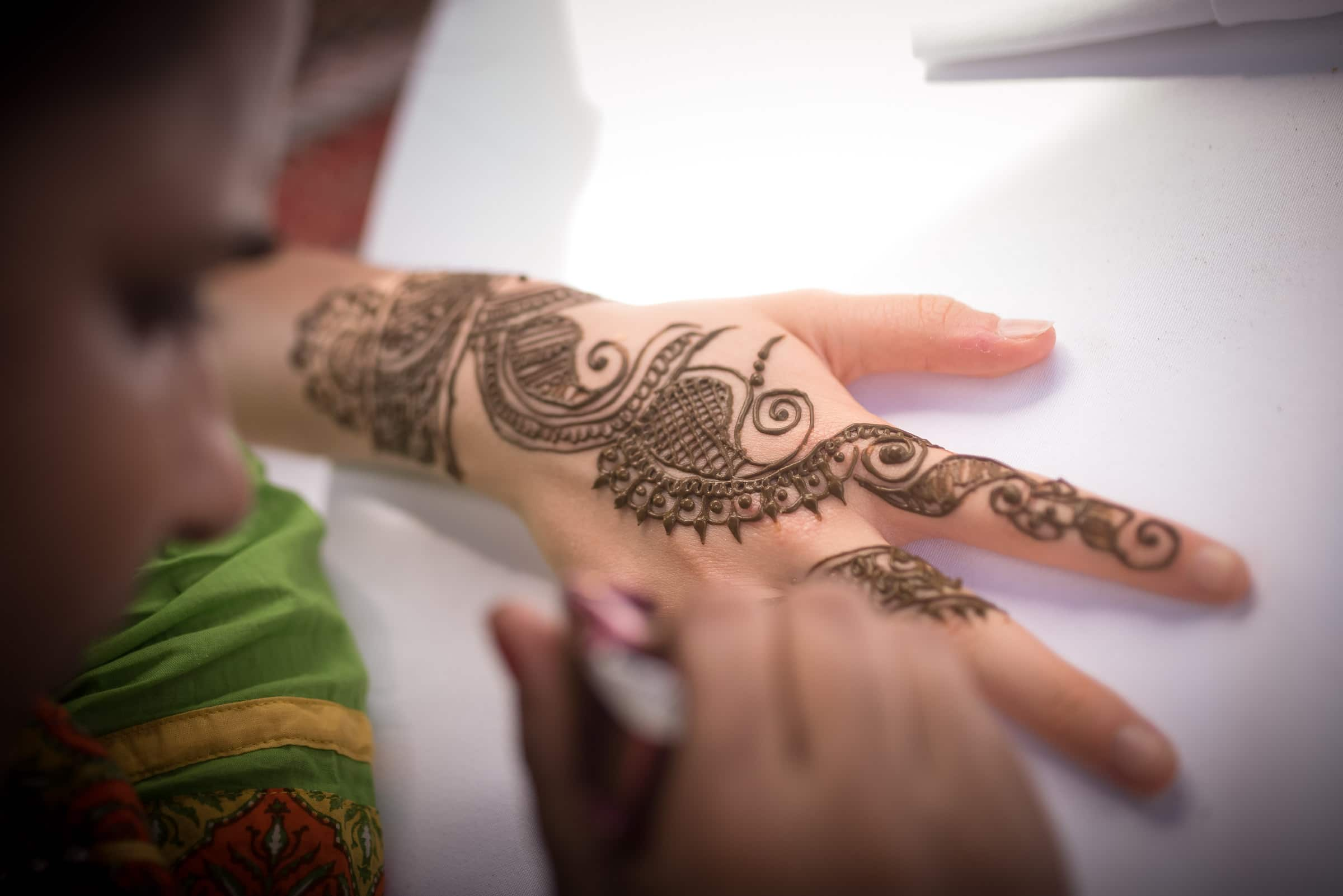 thailand-wedding-photographer-marriott-spa-resort-rayong-indian-wedding-photography-bangkok-pool-party-019