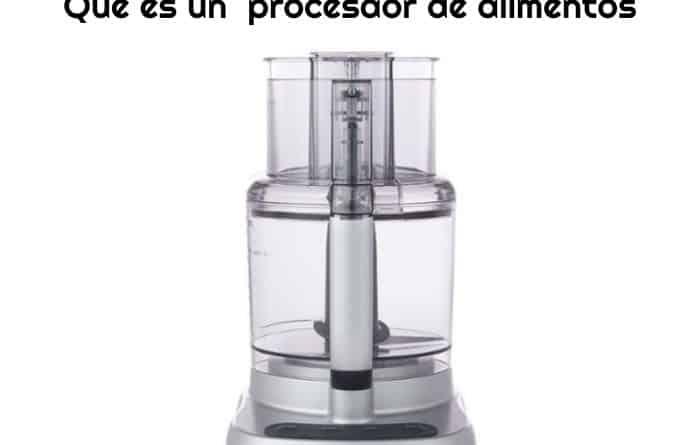 procesador-de-alimentos-en-un-fondo-blanco