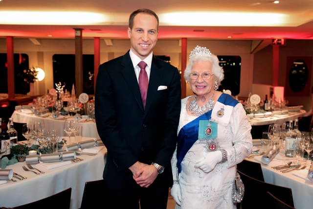 Queen & Prince William Impersonator Party and Wedding London, Surrey, Richmond, Twickenham.