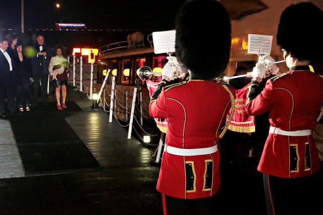 Trumpeteers-greeting-guests