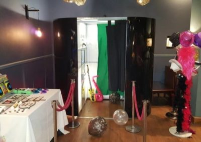 Black Photo Booth welovebooths