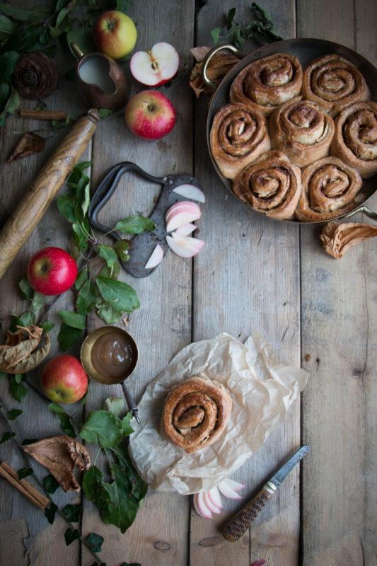 vegan-apple-cinnamon-buns-1-5