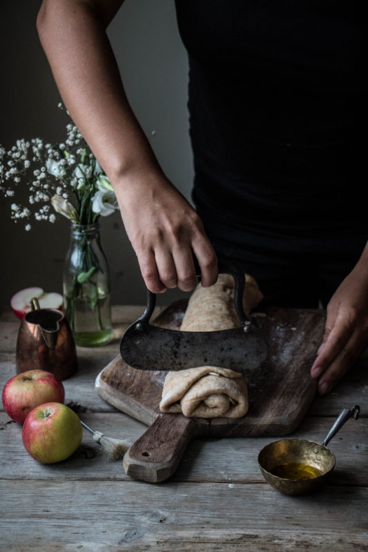 vegan-apple-cinnamon-buns-1-8