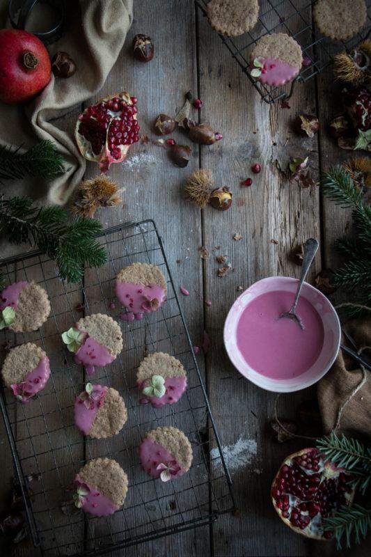 chestnut-cookies-with-pomegranate-glaze-1-4