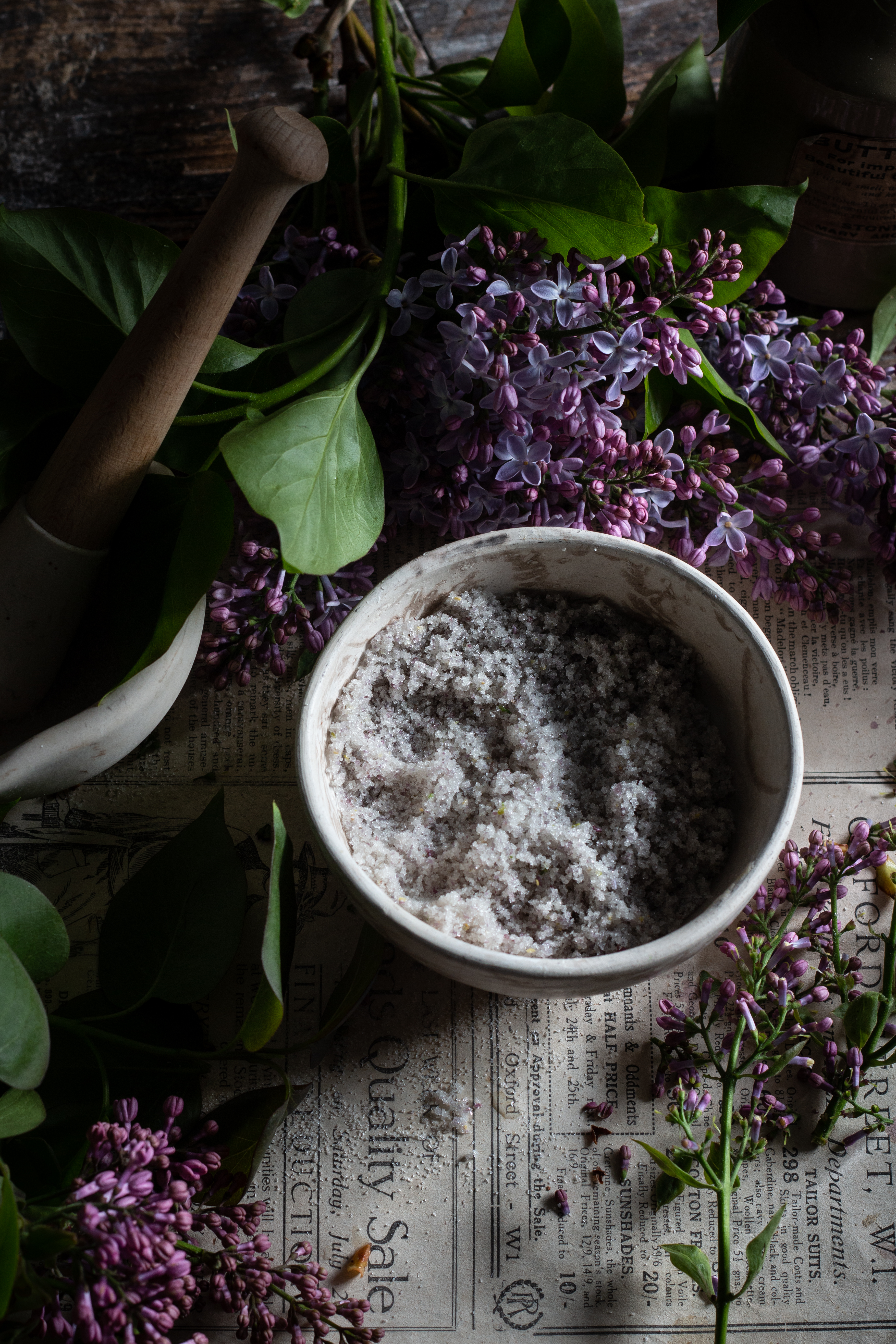 Lilac sugar salty honey pie with rhubarb