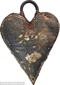 The heart urn of Toussaint de Perrien which was placed on the coffin of his wife