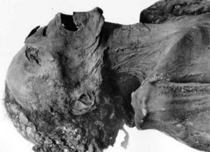 """Mummy of the Unknown Man E (""""The Screaming Mummy"""") found in DB320, maybe the prince Pentawer, a son of pharaoh Ramesses III of the 20th dynasty"""