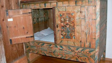 The Medieval Box Bed Returns: Closing Yourself in for a Good Night's Sleep