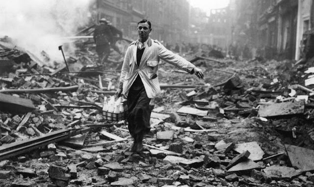 """World War II: The Story Behind """"The London Milk man"""" One of the Most Iconic Images of the Blitz"""