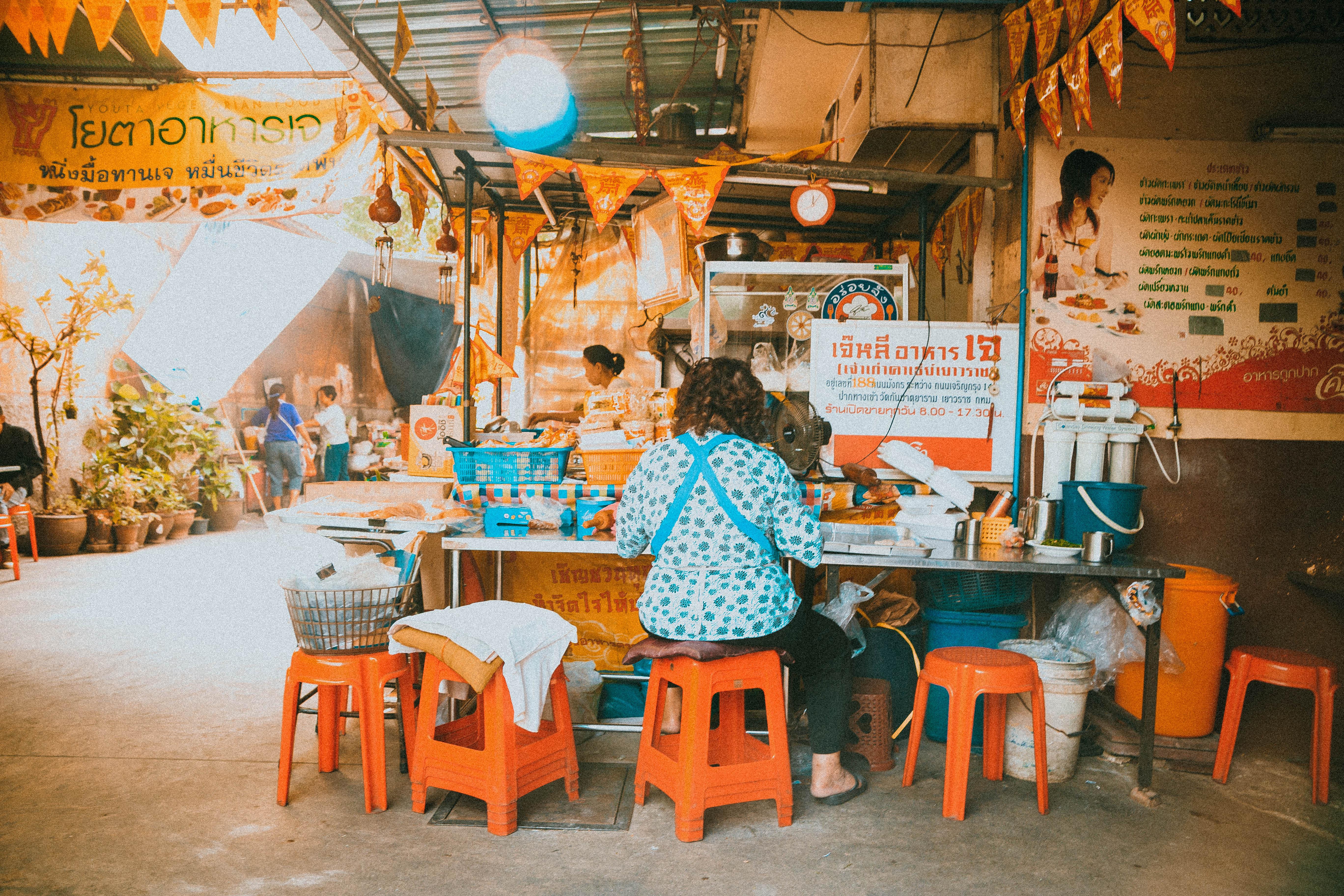 pastries vegan thailand bangkok ladie local ood local cuisine eating like local culture
