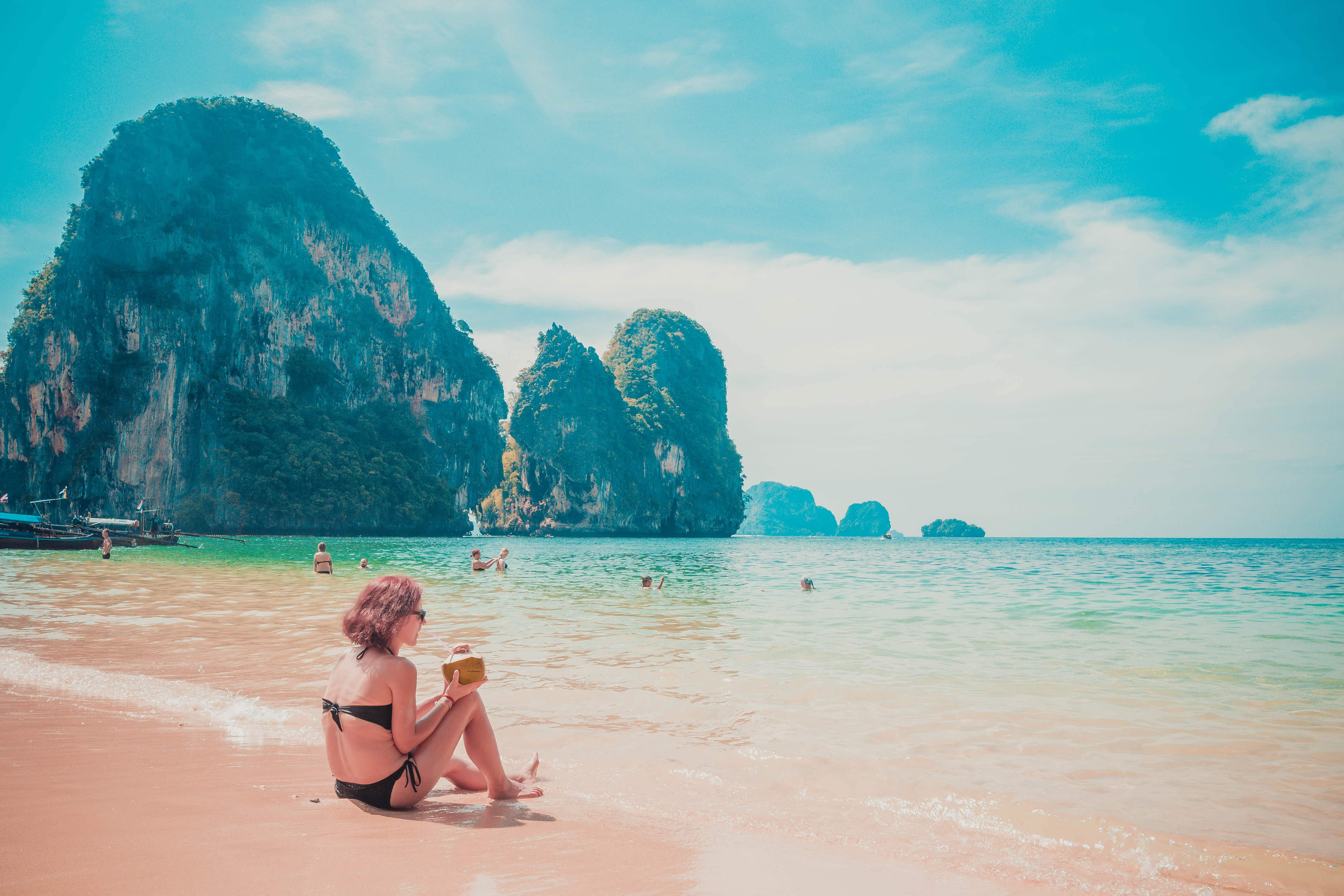 thailand beach krabi railay sun shining all day long