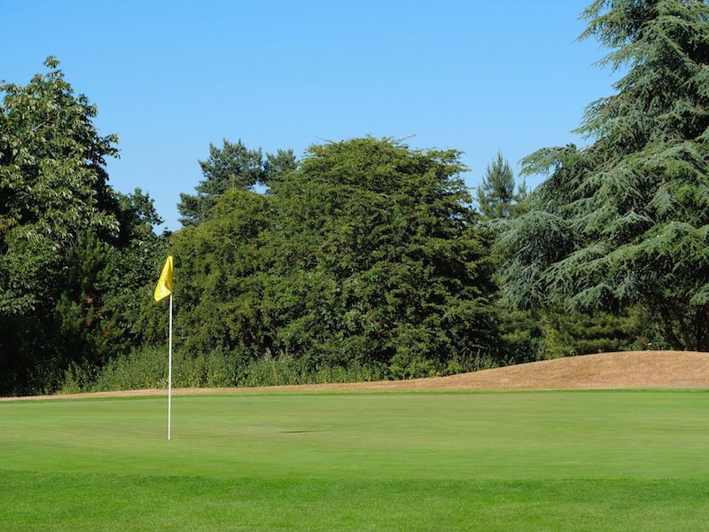 Golf Membership 18 Holes In Watford Hertfordshire