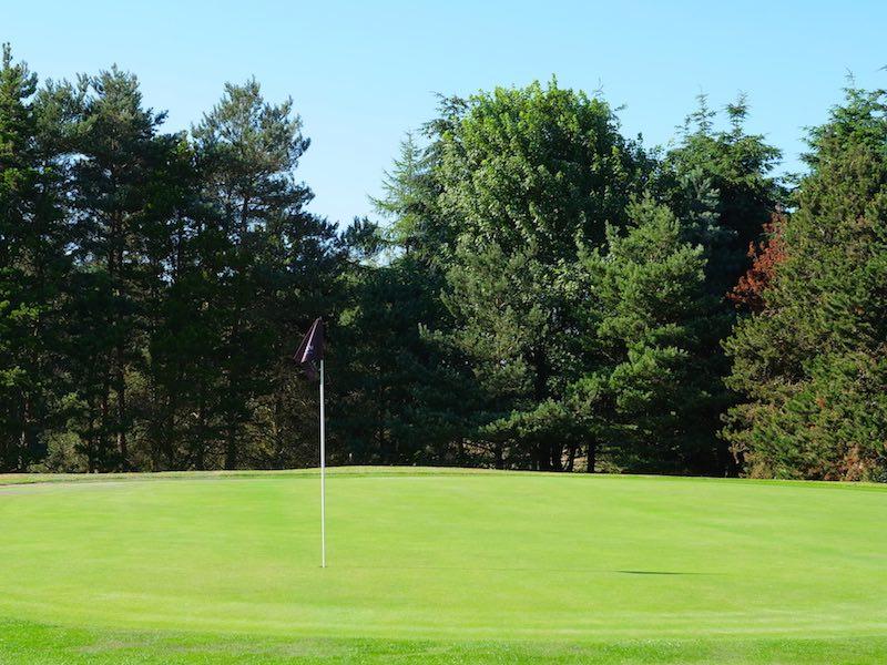 9 Hole Short Golf Course In Watford Hertfordshire