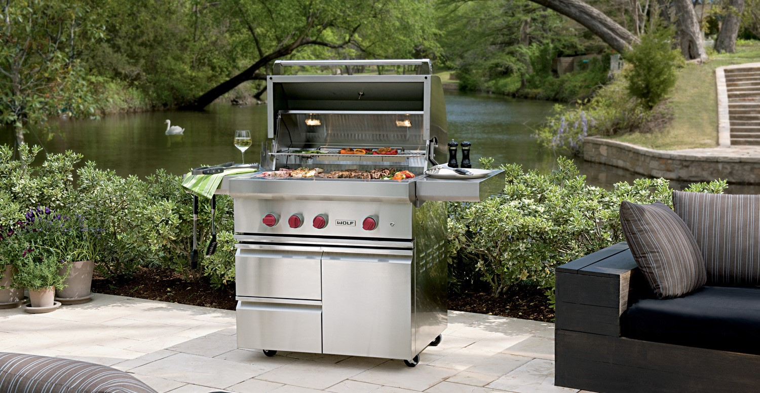 Wolf outdoor Grill