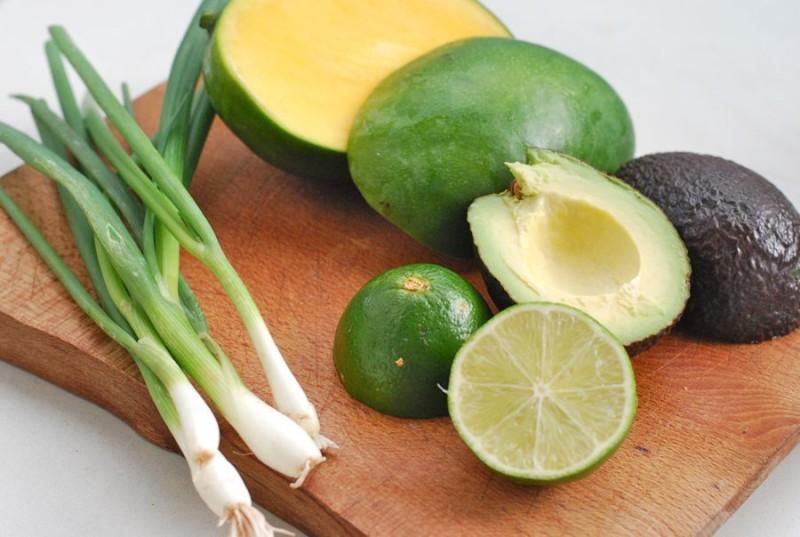 avocado-salad-ingredients