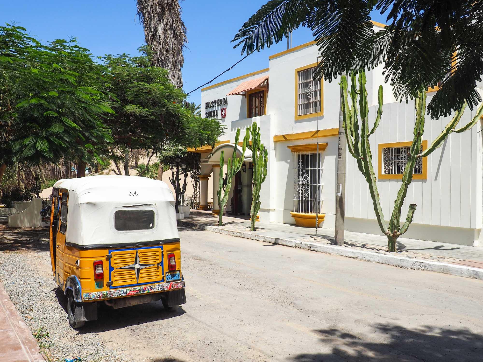 huacachina street