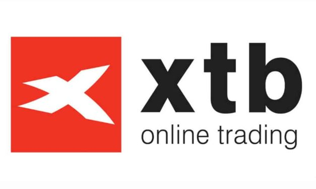 XTB's Facing Trading Activists Protesting Outside their Office